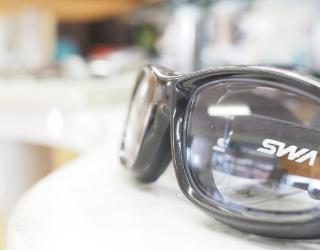 スポーツ用メガネ